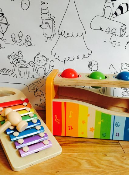 Le parfait jouet en bois pour bébé signé Hape Toys