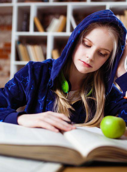 3 raisons de lire à notre ado qui sait déjà lire
