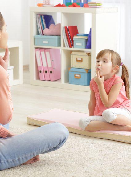 Comment aider mon enfant à mieux prononcer?