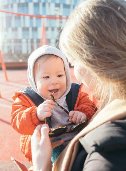 Parler bébé au bébé : à faire ou à éviter?