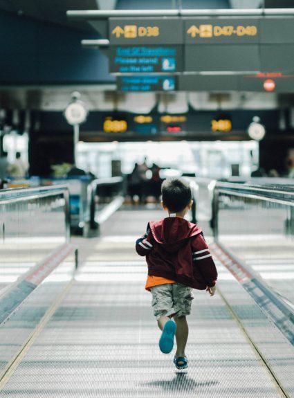 11 trucs pour voyager en avion sans tracas avec les enfants