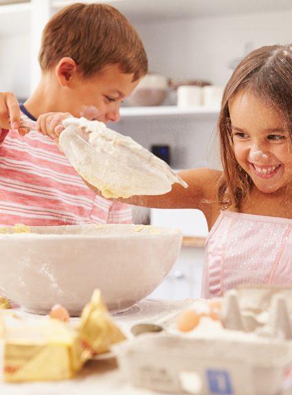 11 recettes simples et amusantes à cuisiner avec les enfants