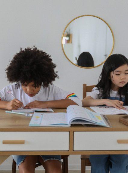 12 astuces pour soutenir l'attention des enfants à la maison